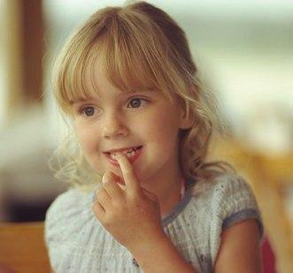 Дети грызут ногти когда волнуются