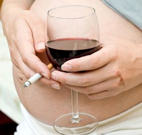 Алкоголь категорически запрещен при беременности