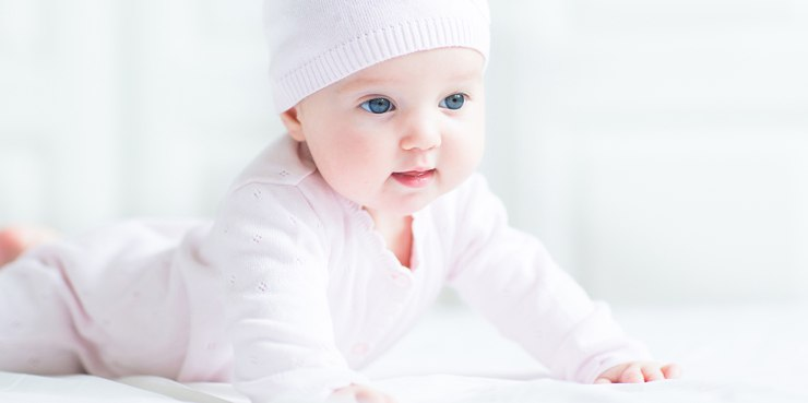 В 6 месяцев с ребенком необходимо заниматься